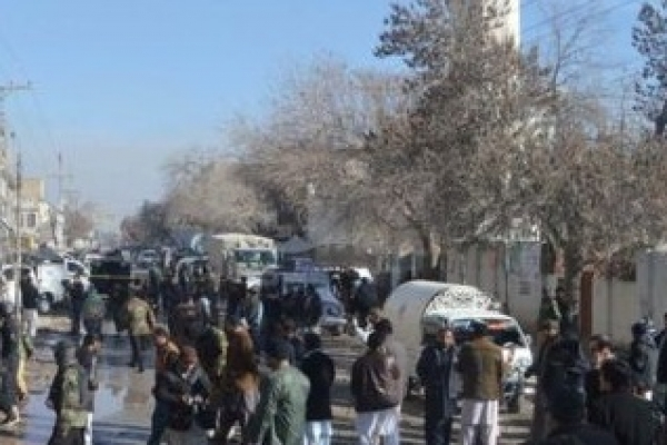 Bomb near Pakistan polio centre 'kills 14'