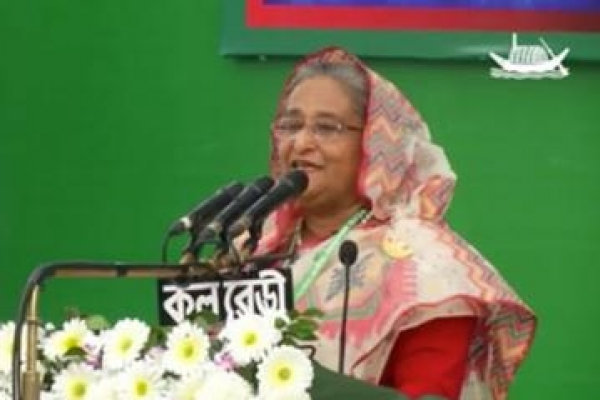 PM-asks-AL-men-to-take-oath-against-poverty
