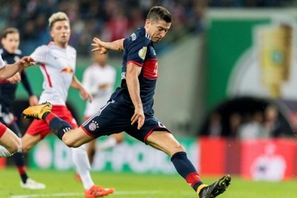 Bayern plot more Dortmund woe as Lewandowski returns