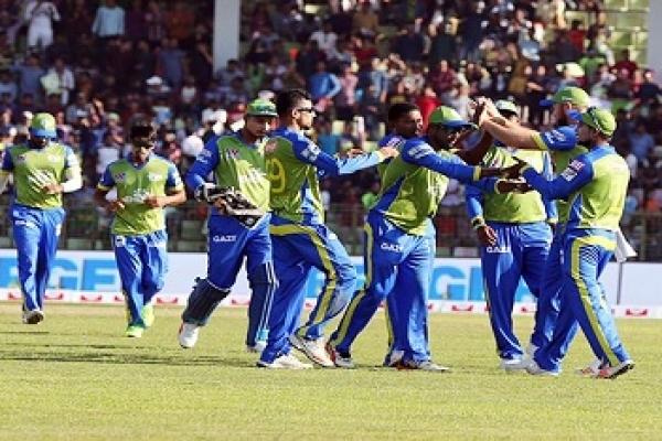 Sylhet beat Comilla by 4 wickets in BPL
