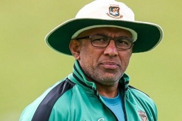 Sri Lanka seeks Bangladesh coach Hathurusingha
