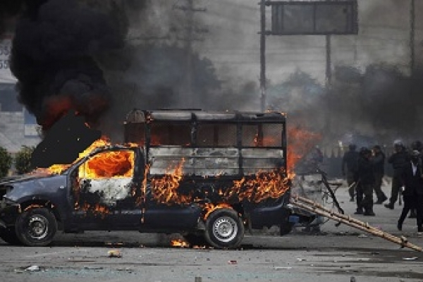 10 feared dead as Pakistan cracks down on hardliners