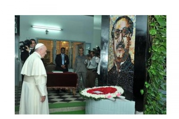 Pope pays tribute to Bangabandhu, martyrs