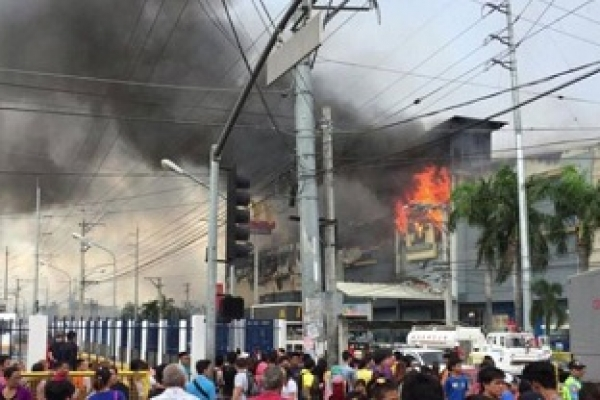 Philippines shopping mall fire kills 37