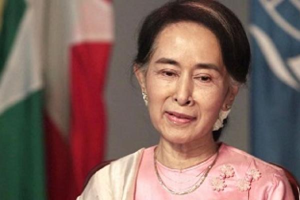 Myanmar denies rumors of Suu Kyi's Paralysis