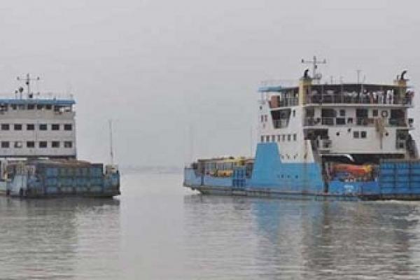 Paturia-Daulatdia ferry services resume after 2hrs