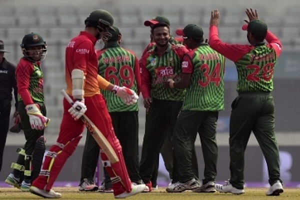 Zimbabwe cleaned up for 170