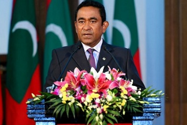Maldives president extends emergency by 30 days