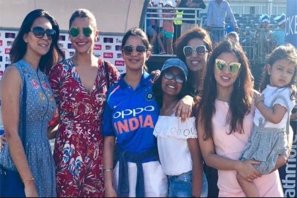 বিশ্বকাপে ক্রিকেটারদের স্ত্রী ও বান্ধবীদের নিয়ে বড়সড় সিদ্ধান্ত নিলো ভারত