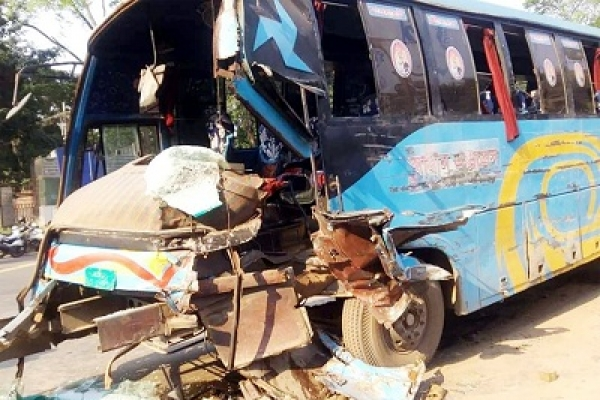 2 killed in Dhaka road accident