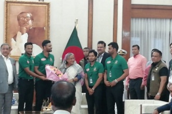 Play with confidence in WC, PM tells Tigers