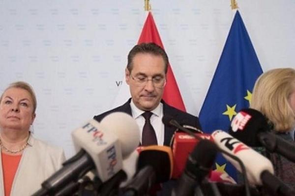 Austria chancellor calls for snap election