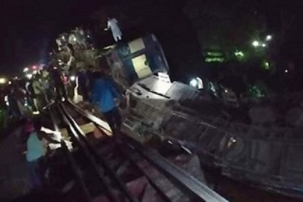 4 killed as Upaban Express crashes in Moulvibazar