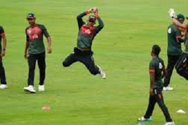 Bangladesh beat Zimbabwe by 39 runs, reach final