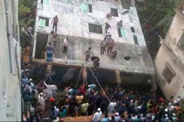 4-storey building tilts in N'anj, 1 killed, 6 injured
