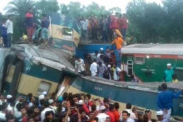 16 killed as trains collide in Brahmanbaria