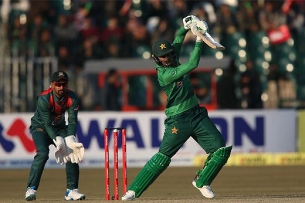 Pakistan beat Bangladesh by 5 wickets