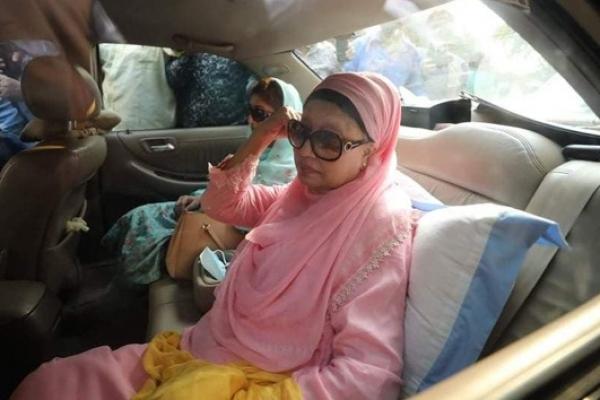 Khaleda Zia goes into quarantine