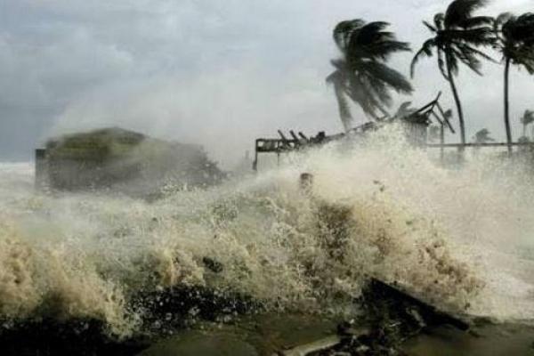 Super cyclone Amphan hits southwestern Bangladesh, Indian coasts