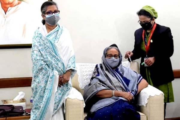 PM Sheikh Hasina receives coronavirus vaccine