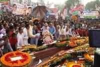 Khaleda pays tribute to martyrs