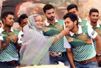 PM greets Tigers on historic Test win