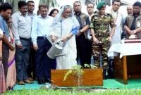 PM-plants-saplings-on-her-office-premises