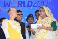 Sophia talks to PM on Digital Bangladesh