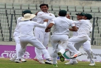 Bowlers rule day 1 in Dhaka Test