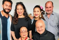 Bollywood actor Anupam Kher's mother, brother, sister-in-law and niece test Corona positive
